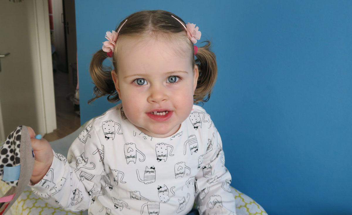 5x leuke kapsels voor een klein meisje - Kleurenkamer klein meisje ...
